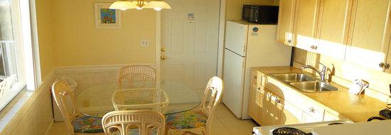 White Sands Beach Resort: room #1 Kitchen