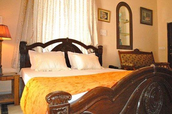 Kishore Bagh Palace: Room