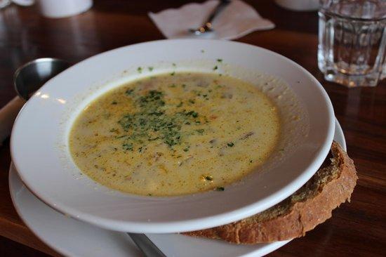 Auntie Pesto's Cafe: Mushroom Soup - Yum