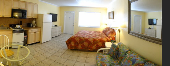 Tropical Breeze Beach Club: Tropical Breeze Motel rooms #24, #25, #26 & #27