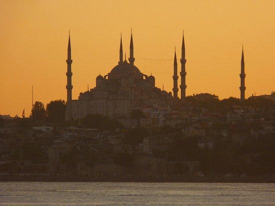 Estambul, Turquía: ぜひ船は夕暮れに乗ってほしい!