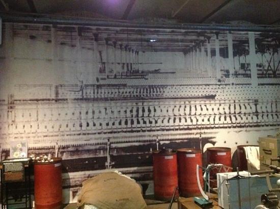 Museum of the Factory : Añade un título