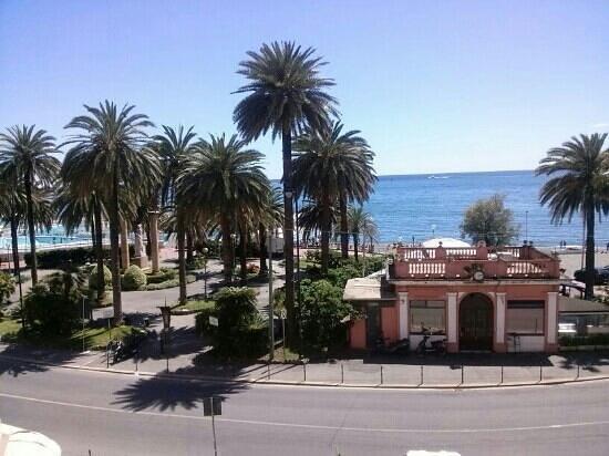 Grand Hotel Mediterranee: vista...