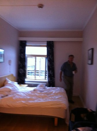 Cochs Pensjonat : our room....perfect at the reasonable (for Scandanavia!) price...$170.US