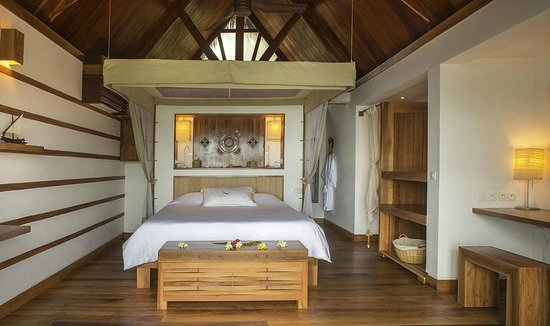 Constance Tsarabanjina: Relax and unwind in our luxurious, palm-thatched beachfront villas