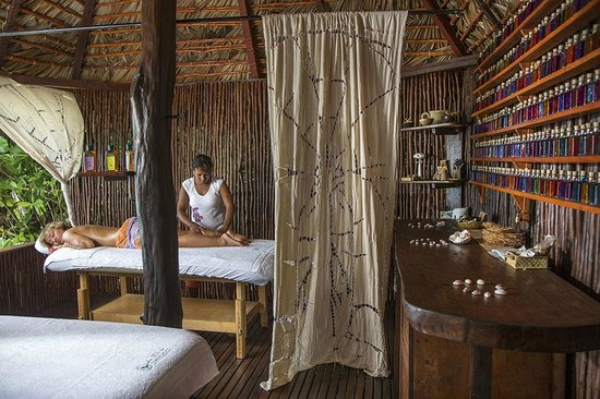 Constance Tsarabanjina: Enjoy a relaxing massage looking out across stunning ocean views.
