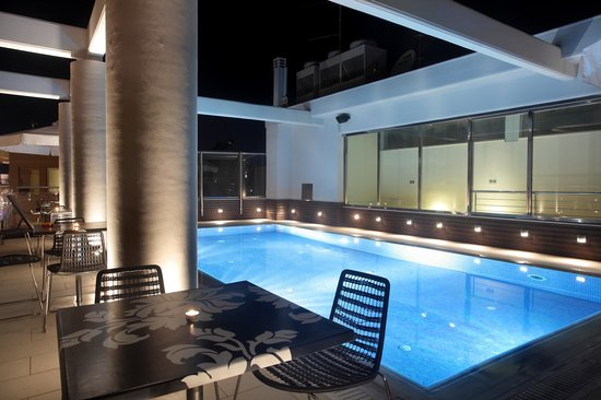 Comfy Boutique Hotel: Roof garden - Pool