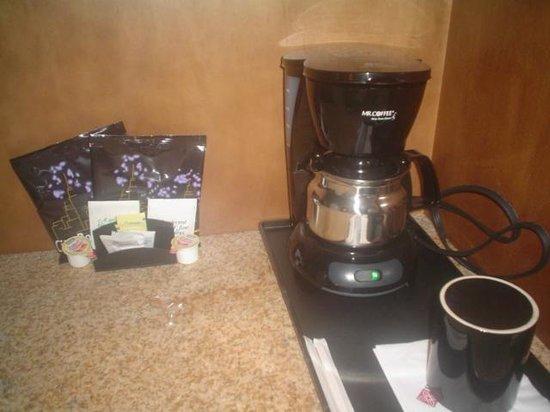 Hilton Garden Inn Preston Casino Area: Mr. Coffee