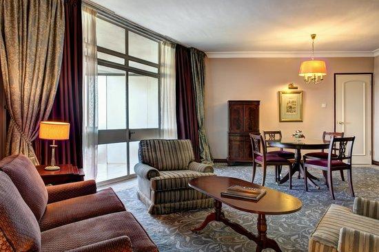 Corinthia Palace Hotel & Spa : Executive Suite Lounge
