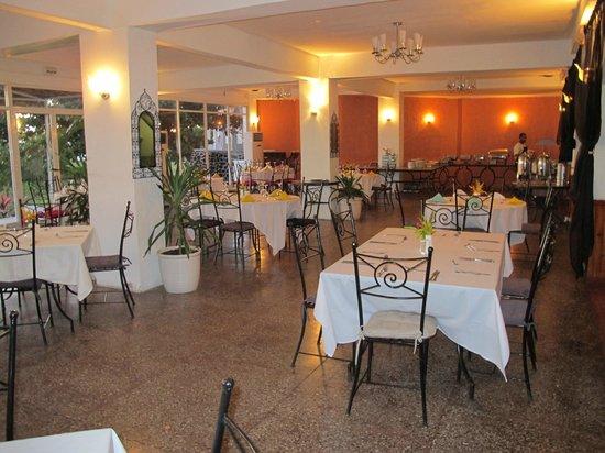 Retaj Moroni Hotel: Restaurant