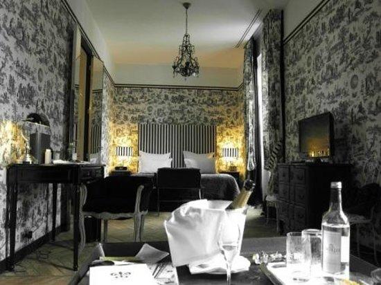 Saint James Paris - Relais et Chateaux: Large room