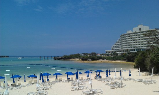 ANA InterContinental Manza Beach Resort: Private Beach