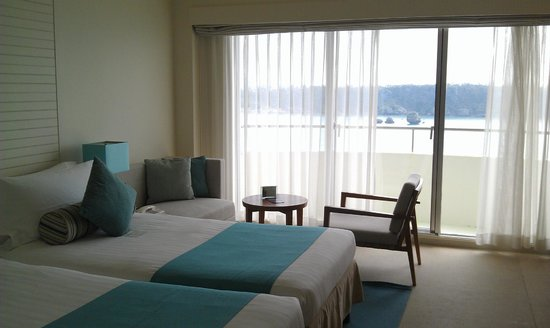 ANA InterContinental Manza Beach Resort: Our Room at 7th Floor with the lovely Tiffany Blue color