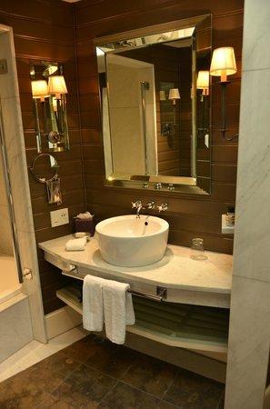 Eichardt's Private Hotel: Bathroom