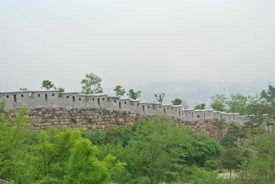 Inwangsan Mountain: slightly hazy