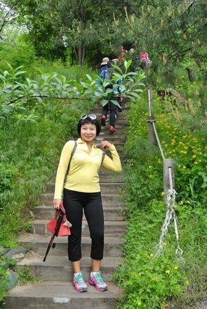 Inwangsan Mountain: beginning of trail