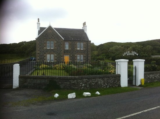 Loch Gorm House: Excellent location, taken from shore