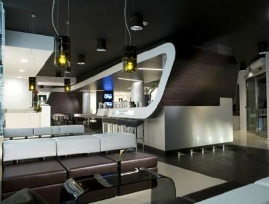 Naitendi: Lounge bar