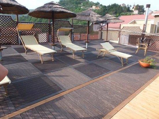 D'Orange D'Alcantara: Poolgelände auf dem Dach