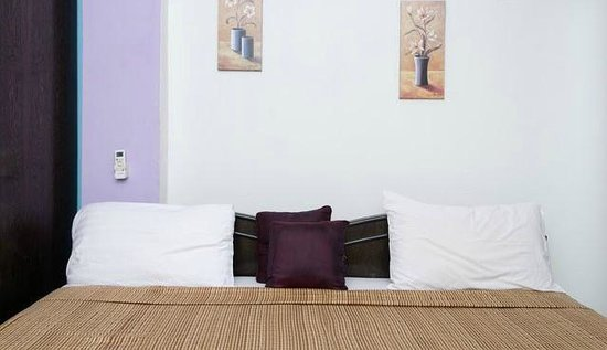 Dream Home Serviced Apartment Bunder Road Malad West: Bedroom