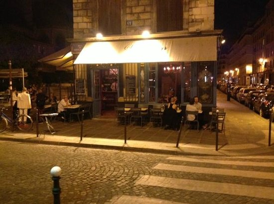 outside restaurant picture of chez julien paris tripadvisor. Black Bedroom Furniture Sets. Home Design Ideas