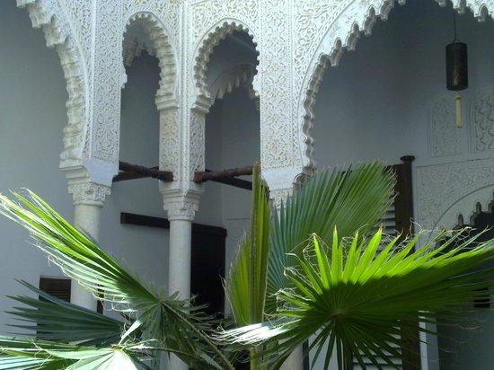 Riad Azahra : In the courtyard