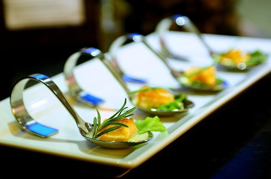 Citrus Sukhumvit 13 by Compass Hospitality: Dining