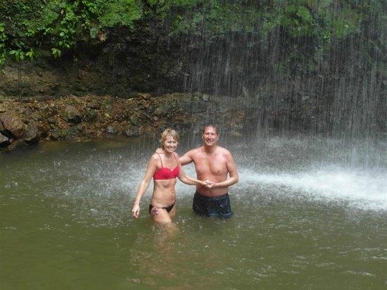 Coconut Bay Beach Resort & Spa: waterfall