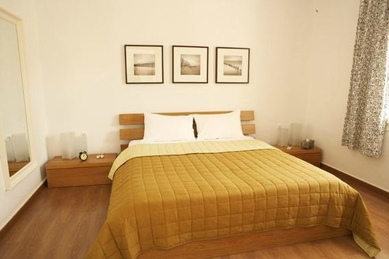 Aiores: main bedroom