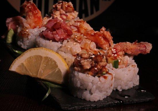 Rollman Sushi: Rainbow