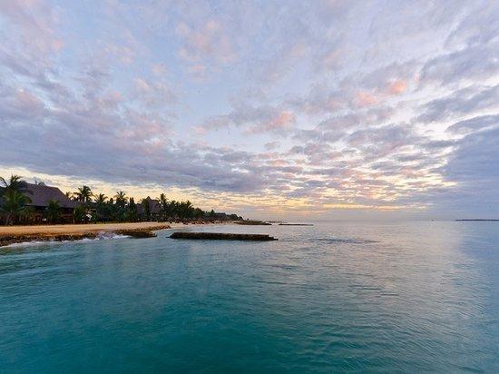 Hotel White Sands - The Beach Resort: Resort