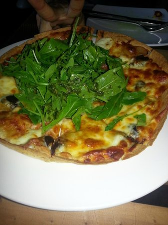 Yullis: PORCINI MUSHROOM AND HALOUMI PIZZA
