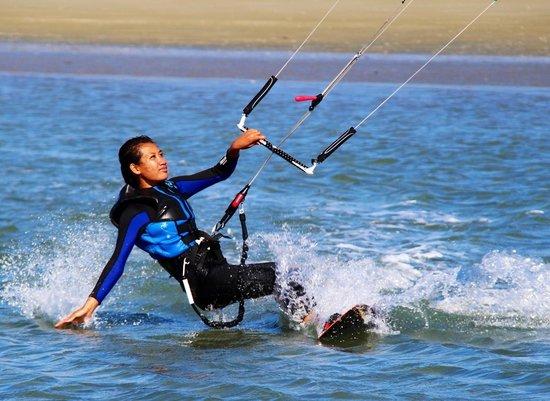 Kitesurf Nelson: Me kite boarding in Nelson