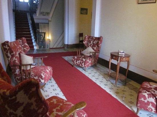 Villa Moorings Hotel : The hall way, one of many.