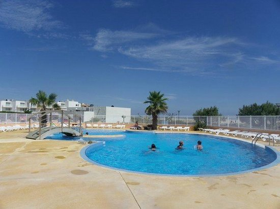 Piscine de 20m2 en front de mer - Photo de Village Vacances Rives ...