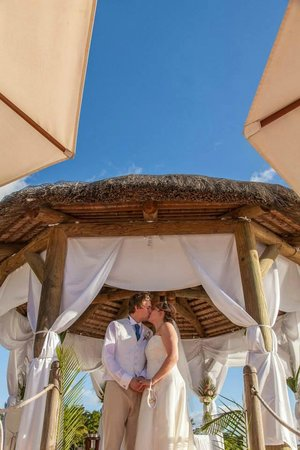 Maritim Resort & Spa Mauritius: Married on the beach!