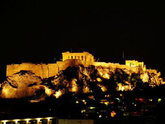 Amalia Hotel: Acropolis at night taken from the Hotel roof top