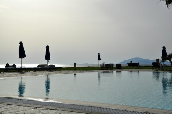 Neptune Hotels - Resort, Convention Centre & Spa : Beach Pool 2