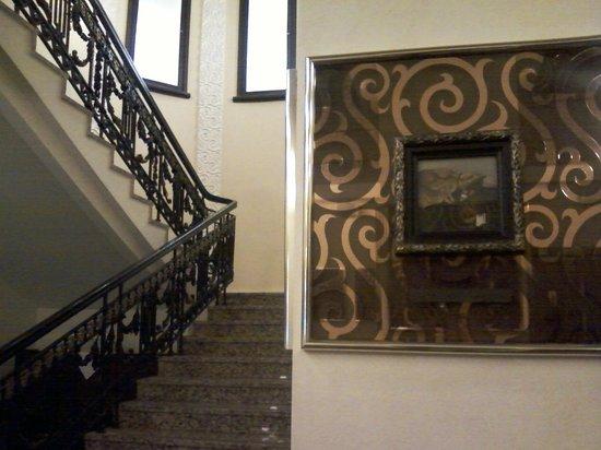 Restaurant Metropole : Лестница в зал.