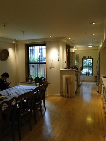 Easyliving-harlem: Salle à manger & Cuisine