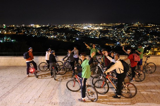 ‪Midnight Biking Through Jerusalem‬