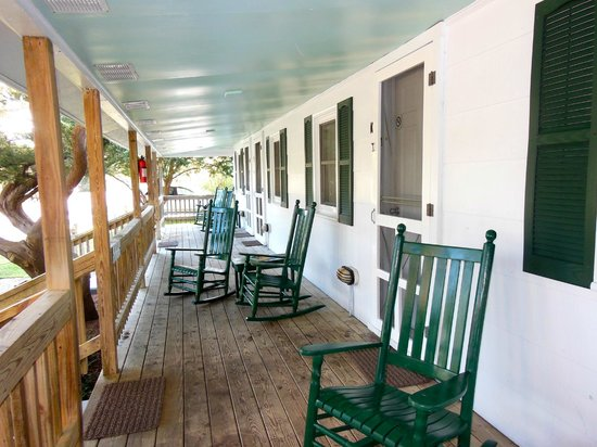 Edwards of Ocracoke Rooms and Cottages: Bungalow Front Porch