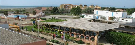 Terrasse ombrag e photo de village vacances rives des - Camping rives des corbieres port leucate ...
