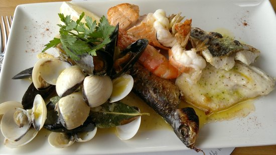 The Navigator Restaurant: the delicious seafood platter