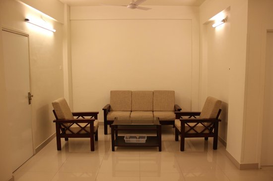 Hotel Surya Villa: A dining area that all the apartments have
