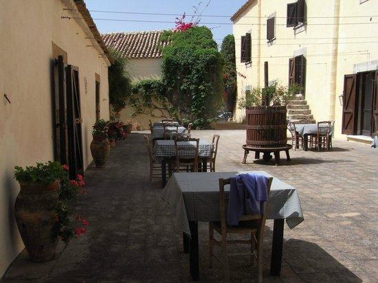 Case del Feudo Hotel : Courtyard