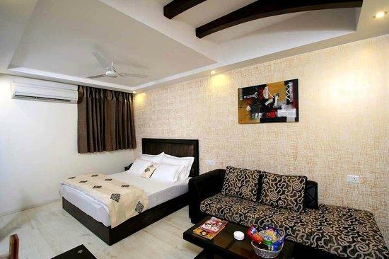 Hotel Rupam Kingston Park: KINGSTON CLUB SUITE