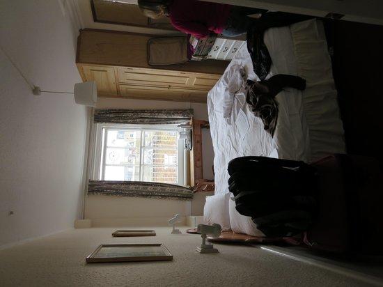 Lynton Hotel London: 3rd Floor Double