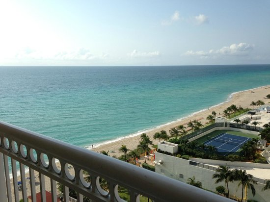 Ramada Plaza Marco Polo Beach Resort: Great View