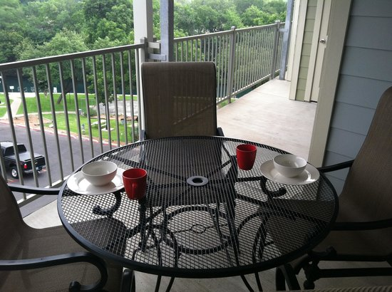 RiverRun Condominiums: beautiful patio